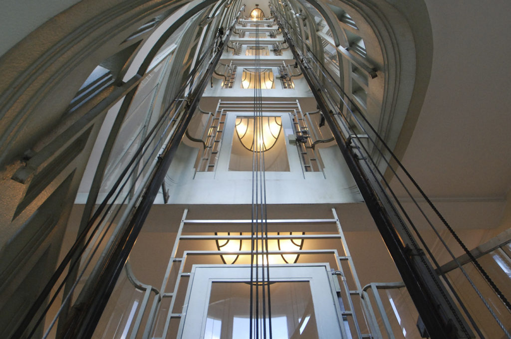 Ascenseurs anciens ©Jerome Bertrand